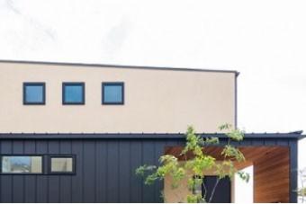 洗練されたデザインの片流れ屋根