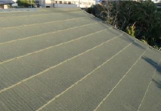 防水紙、下地から全面的な屋根の改修を行います