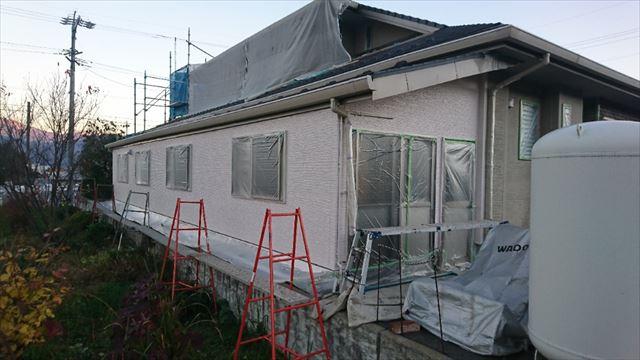 駒ヶ根市赤穂ALC外壁北面下塗り中塗り3