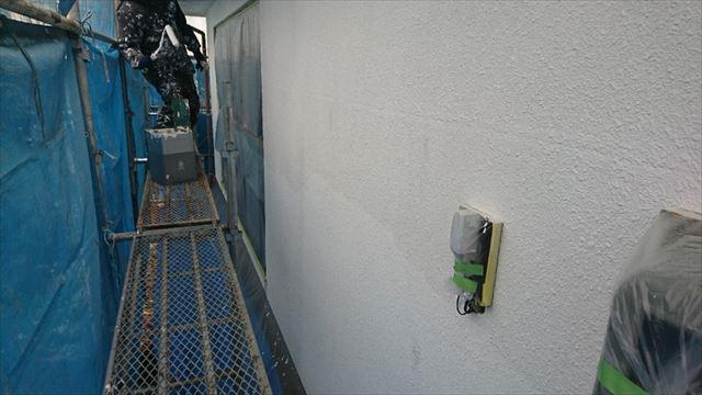 塩尻市外壁塗装屋根カバー下塗り1