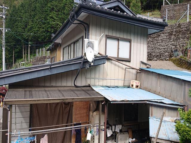 飯田市上村金属サイデングトタン屋根現状1