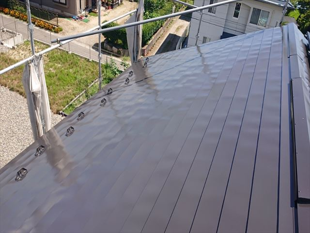 長野県駒ヶ根市外壁屋根塗装屋根下塗り1