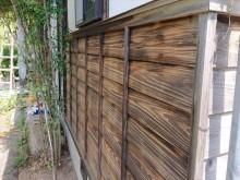 長野県飯島町腰壁玄関木部塗装ケレン1