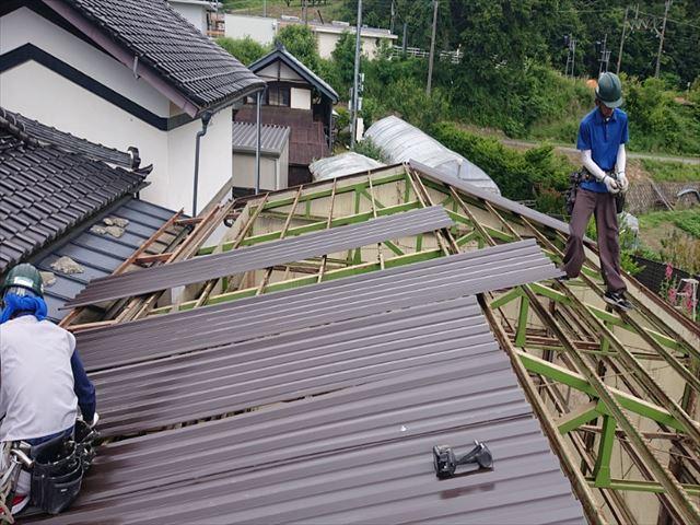 長野県飯島町ハウス屋根吹き替え1