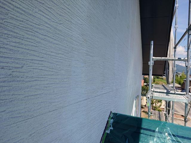 長野県駒ヶ根市外壁屋根塗装シーラー外壁5