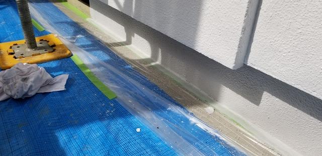 基礎ガードを塗っていきます。