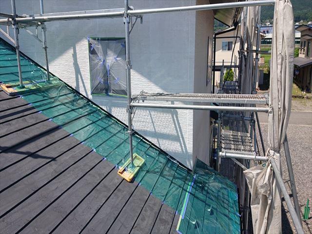 長野県駒ヶ根市外壁屋根塗装シーラー外壁1