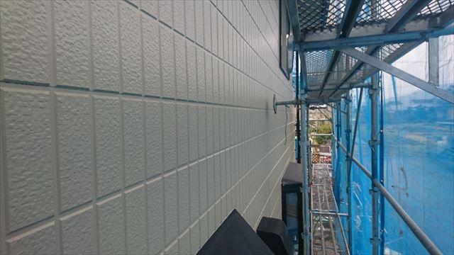 駒ヶ根市外壁塗装上塗り1