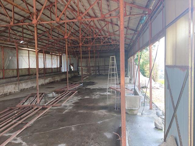 長野県飯島町牛舎解体4