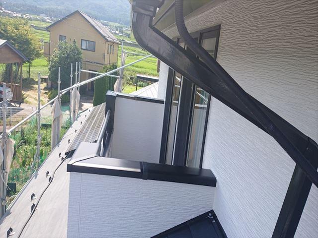 長野県駒ヶ根市外壁屋根塗装中塗り3