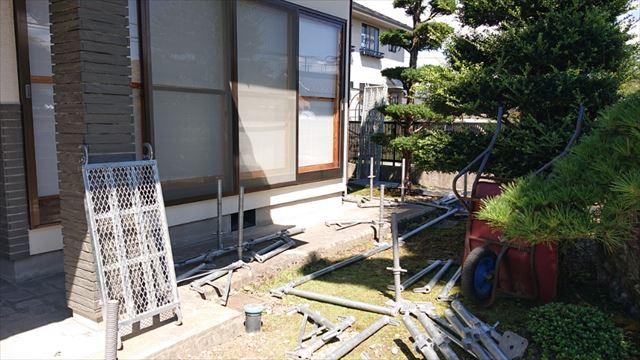 長野県駒ヶ根市モルタル外壁塗装足場作業5