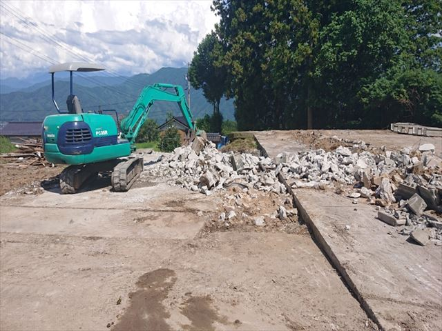 長野県飯島町スレート牛舎解体後半3