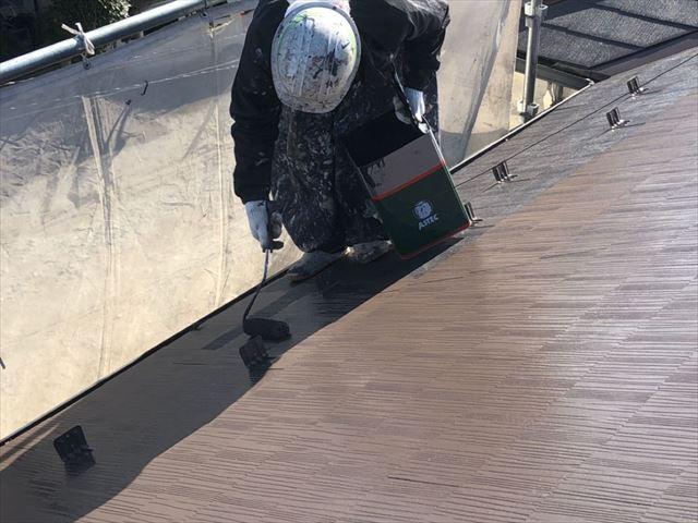スレート屋根上塗り開始です