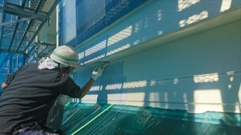 飯田市大瀬木外壁塗装中塗り3