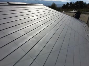 下塗り後の屋根
