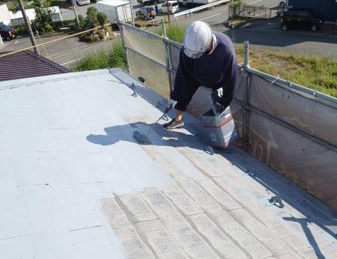 飯田市屋根塗装下塗り