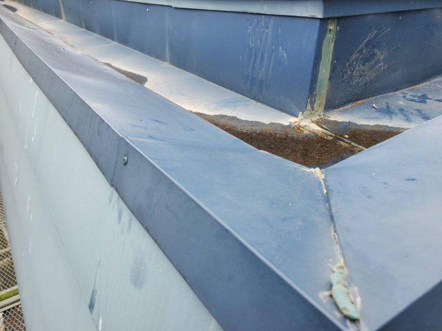 長野県伊那市で外壁の塗装工事などを行います。-笠木交換工事です