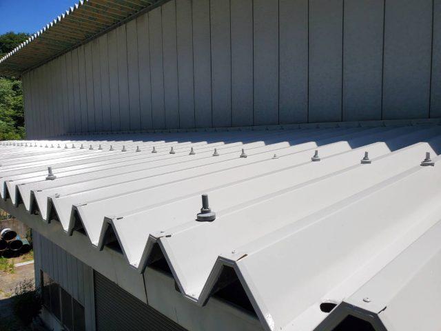 飯田市で折板(折半)屋根の塗装工事を行いました。3.完成