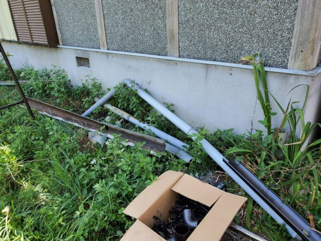 飯田市内で集会所の雨樋の修理などを行います―雨樋の交換