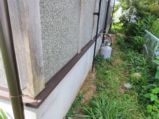 飯田市内で集会所の雨樋の修理などを行います―水切り交換・木部塗装