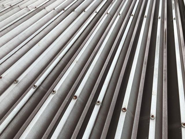折板屋根トタンの点検です