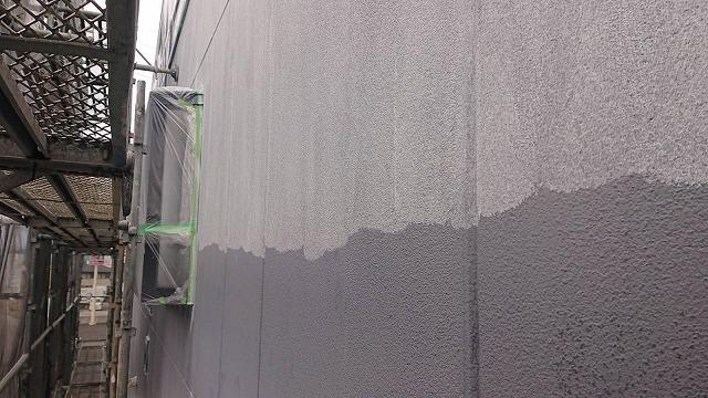 塩尻市アパート塗装下塗り1