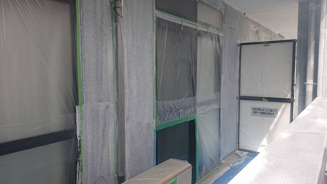 塩尻市アパート塗装下塗り7