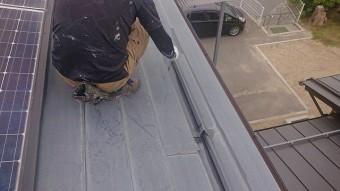 飯田市長野原トタン屋根中塗り2