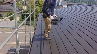 飯田市長野原トタン屋根上塗り2