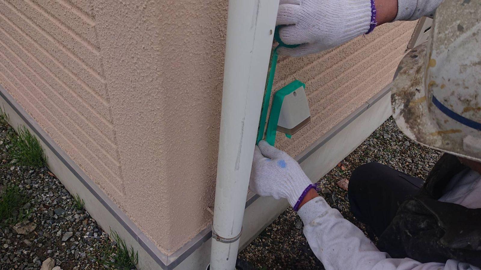 松川町サンワ外壁塗コーキング作業2