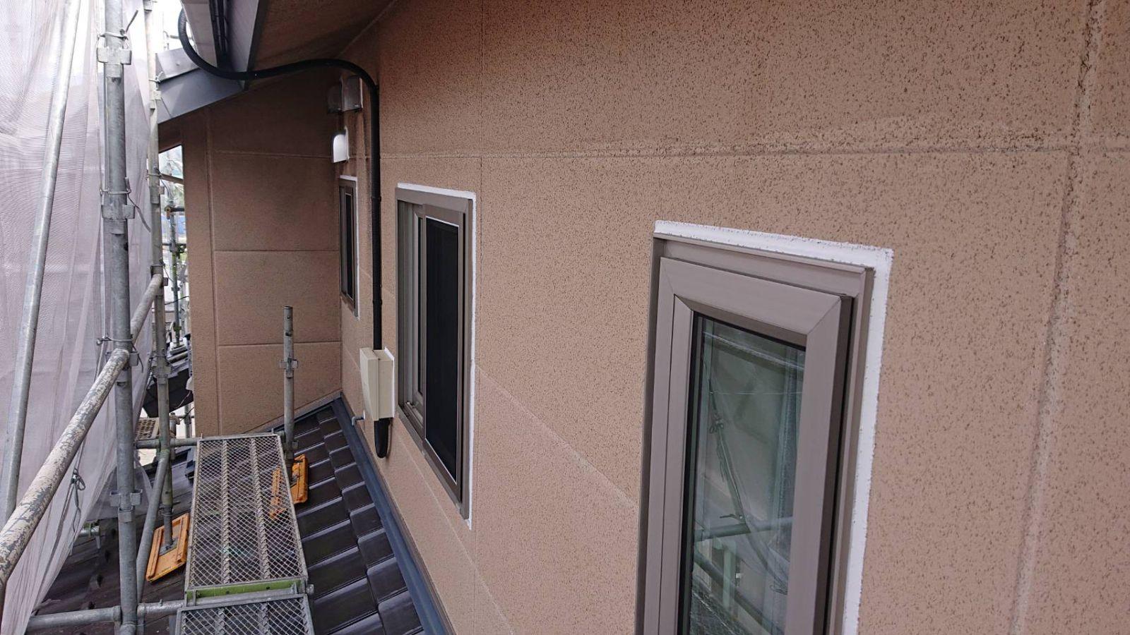 松川町サンワ外壁塗コーキング作業5
