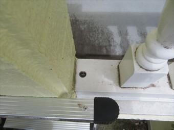 手摺りの穴 雨漏りの原因