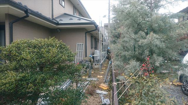 駒ヶ根市赤穂外壁ベランダ工事足場架設1