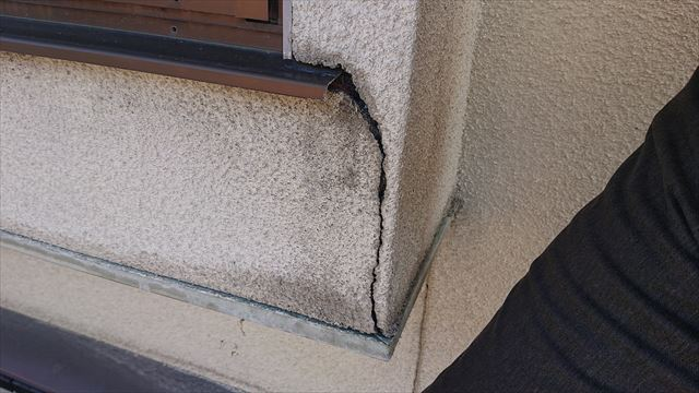 長野県駒ヶ根市雨樋交換・外壁塗装現状7