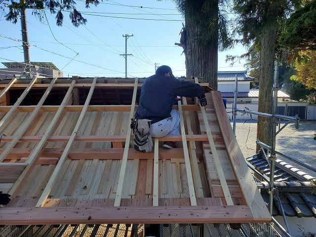 山門の垂木交換です