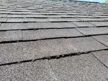 色あせした屋根材
