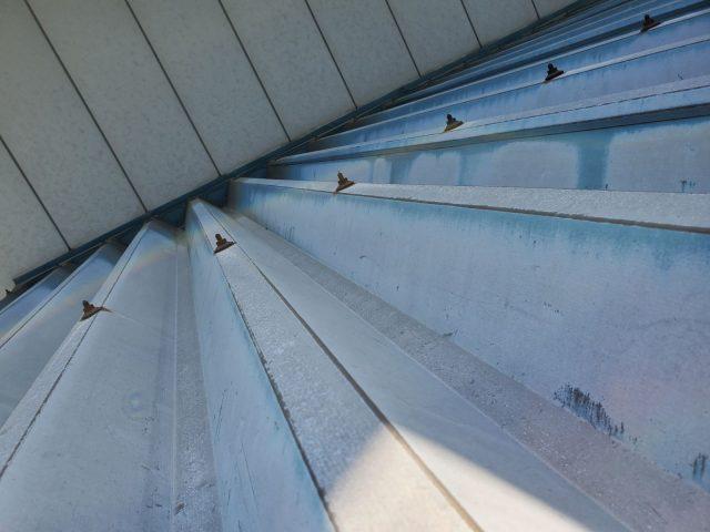 飯田市で折板(折半)屋根の塗装工事を行いました。1.現地調査
