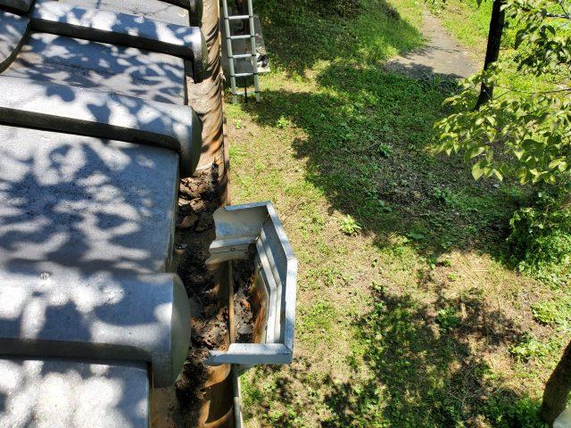 飯田市内で集会所の雨樋の修理などを行います―現地調査