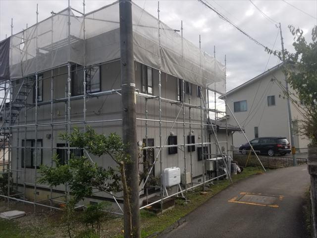 屋根塗装の足場設置