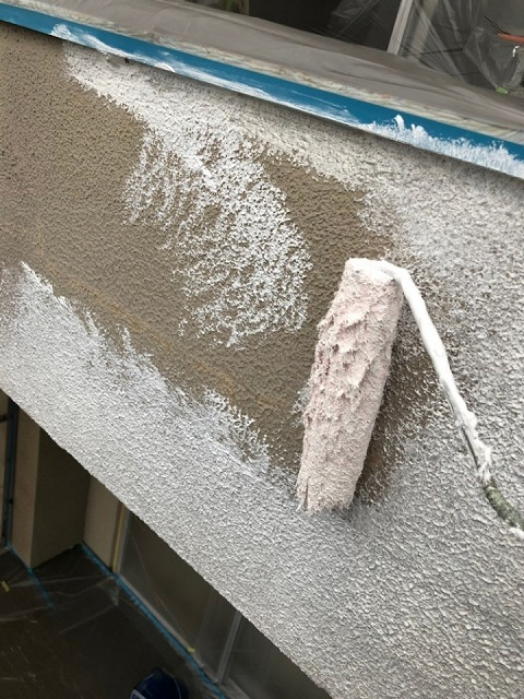 下塗りパーフェクトフィラー使用です