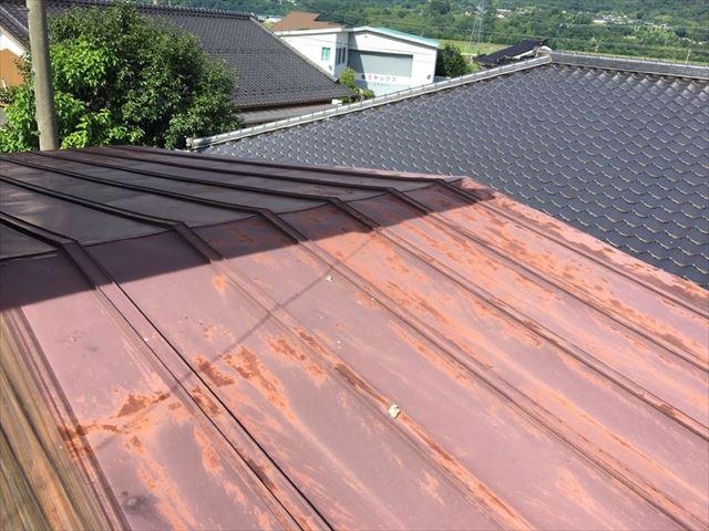 錆びてしまった屋根