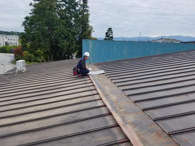屋根上の外壁の撤去開始です。⑦