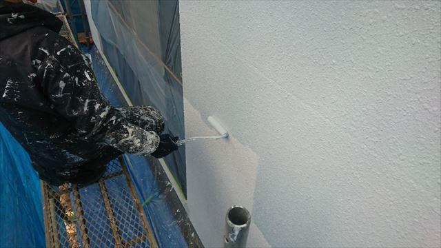 塩尻市外壁塗装屋根カバー中塗り4