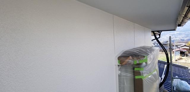 外壁塗装上塗りです