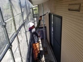外壁の除菌高圧洗浄しています