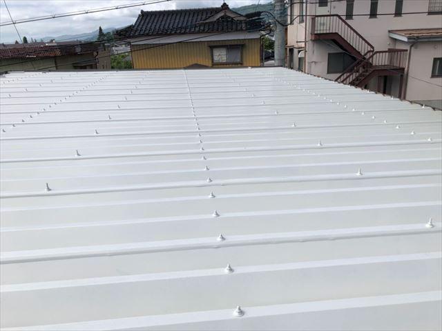 折半トタン屋根塗装完成しました