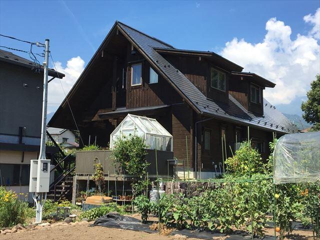 勾配の急な屋根