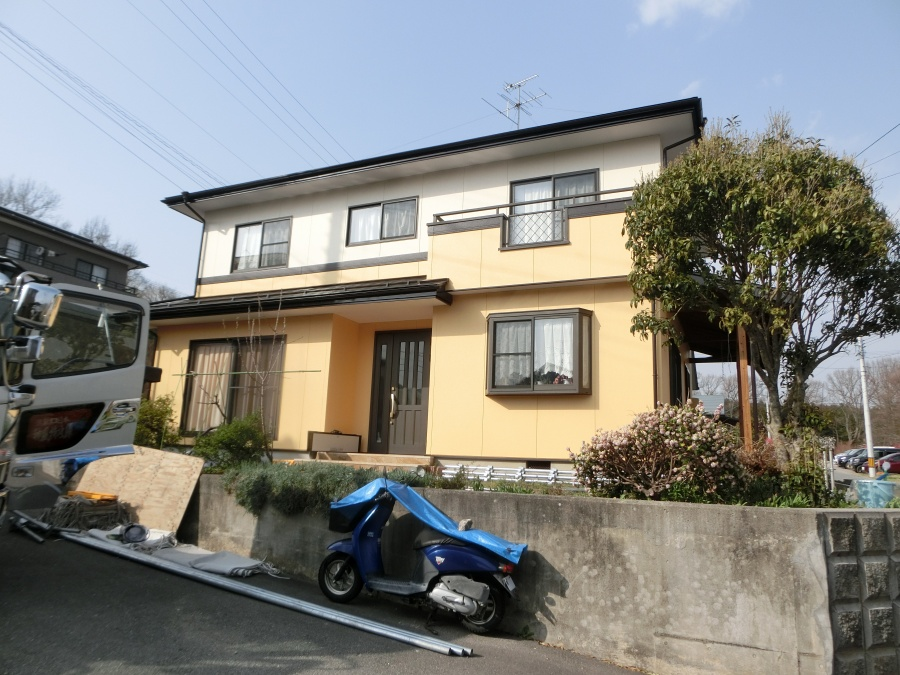 近藤邸の外壁屋根塗装工事完成画像です