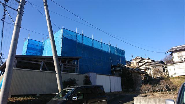 長野県飯田市松尾代田にて、屋根・外壁塗装と内装リフォーム工事の足場架設と屋根・外壁の洗浄作業を行いました。