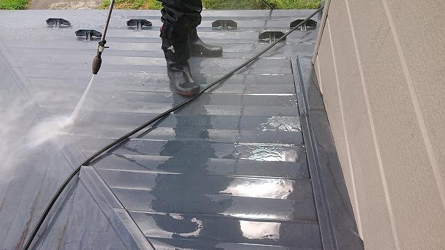駒ケ根市トタン屋根洗浄4